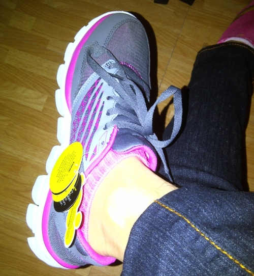 Early Christmas present for my self. I recommend these running shoes.